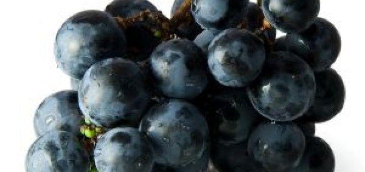 Weintrauben sind ein altes Hausmittel für gesunde Haut und bekämpfen Falten