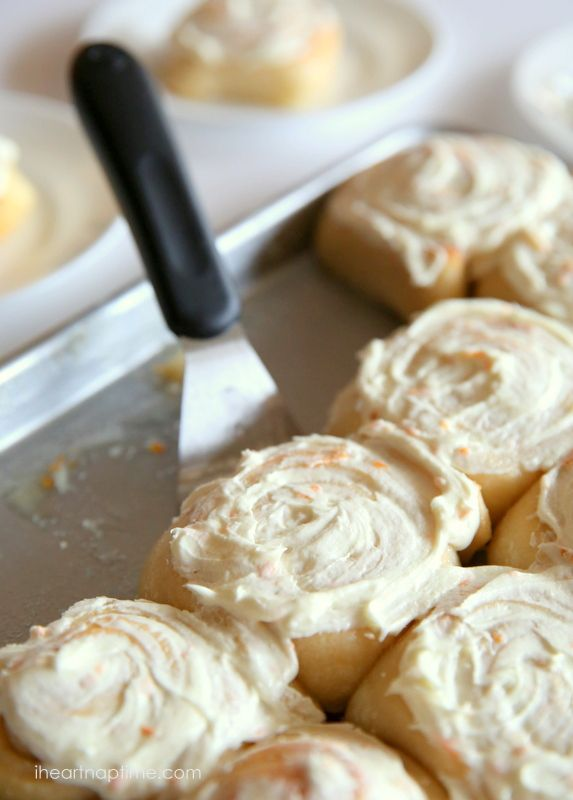 The BEST orange sweet rolls on iheartnaptime.net ...these are super soft and melt in your mouth! @Jamielyn {iheartnaptime.net}