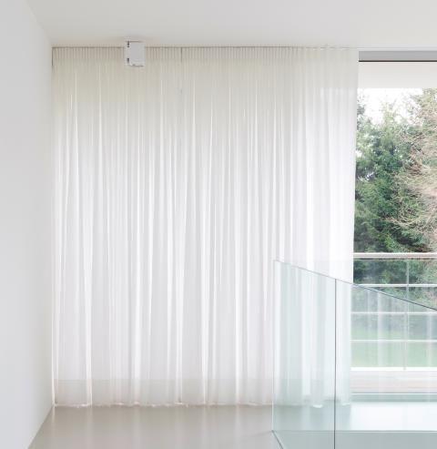 Gordijnen by Master Meubel, design meubelen en interieur inrichting