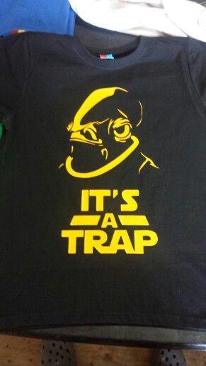 Polera It's a trap CLP $7.000