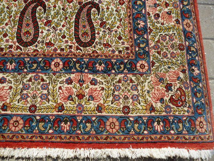 Zeer mooie Qum tapijt 305 x 250 cm  Zeer mooie Qum carpet.305 x 250 cmWol en katoen  EUR 1.00  Meer informatie