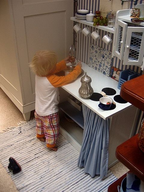 jakob busy cooking by moline, via Flickr