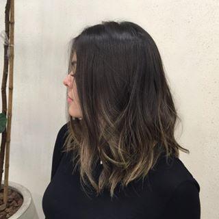 As pontas desconexas são ótimas se você está querendo um efeito morenoira. | 12 provas de que o long bob é o melhor corte de cabelo do mundo