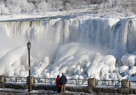 Niagara Falls FROZE in polar vortex <3 LA <3