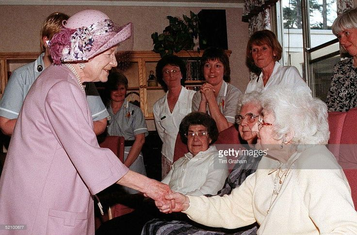 The Queen Mother Talking To Patients In The Day Care Section At Cynthia Spencer House , Northampton, England. She Had Opened The Centre In 1976, Named After Her Former Lady-in-waiting Cynthia Spencer.