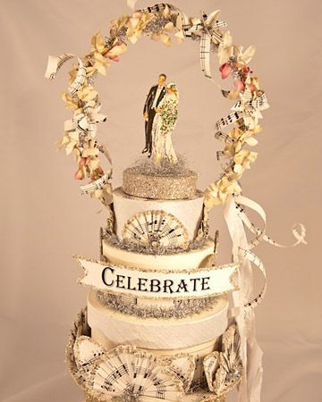 absolutely fabulous. (even though i don't want a cake like this!) Wedding Topper by Amada Lebel@ martha stewart weddings