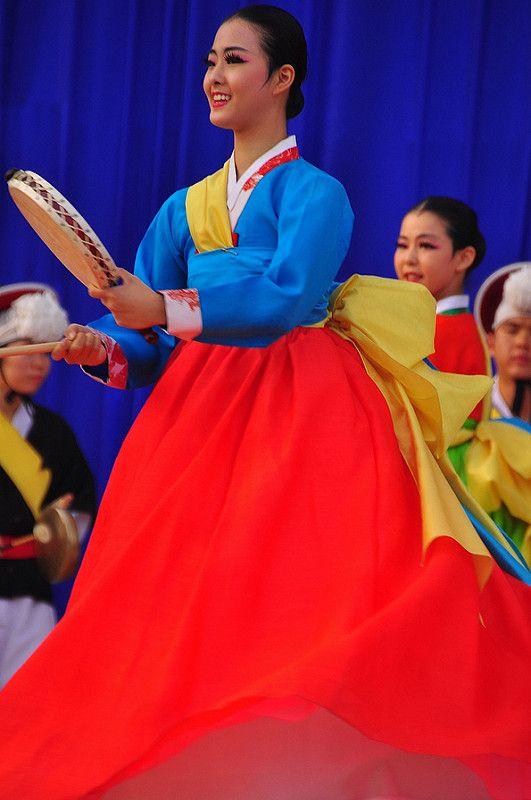 Korean Traditional Dancer -- Andong Mask Festival 2012