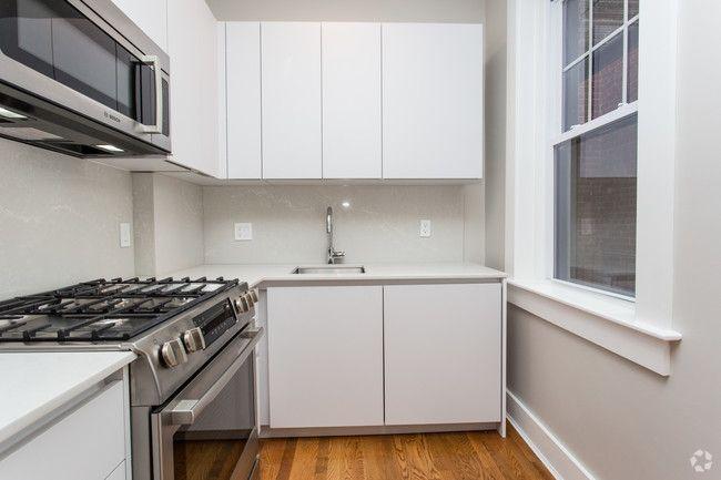 Forest Court Apartments Cambridge Ma Apartments Com Apartment Apartments For Rent Efficient Appliances