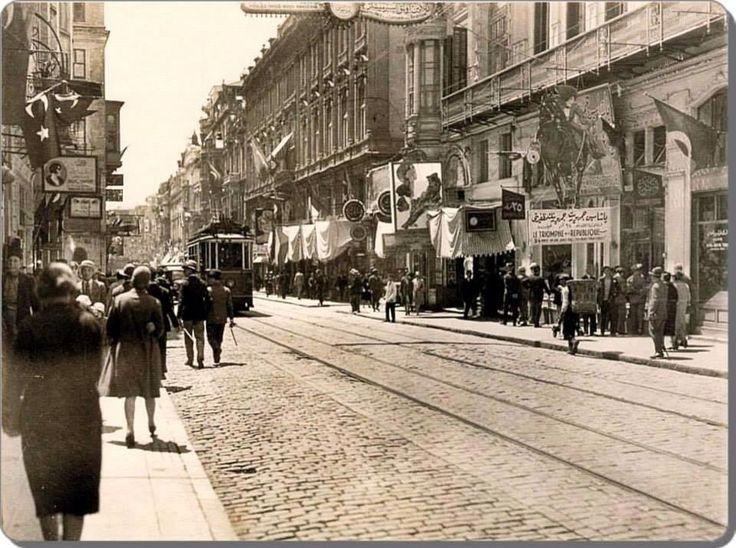 İstiklal caddesi, 1928, İstanbul, Türkiye