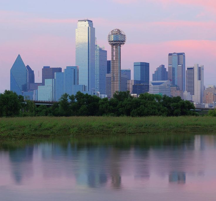 ✮ Dallas Skyline Reflected in the Trinity River at Sunset