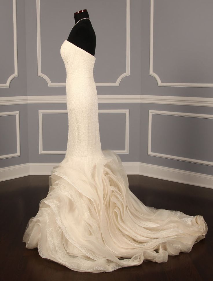 Vera wang lindsey x 120413 discount designer wedding dress for Discount vera wang wedding dresses