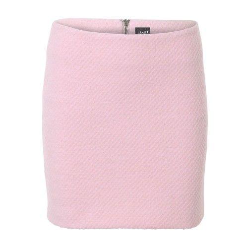 Pastel roze herfst/winter rokje van mbyM (o.a. super zachte wol). De rok valt net boven de knie en heeft een ritssluiting op de achterkant. Ga voor de herfsttrend en combineer het rokje met lange oversized jas en een stoere print top eronder  | Fashion Exclusive