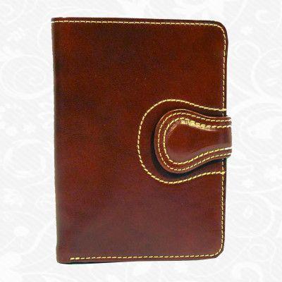 Dámska kožená peňaženka vyrobená z prírodnej kože. Kvalitné spracovanie a talianska koža. Ideálna veľkosť do vrecka a značková kvalita pre náročných. Overená kvalita pravej kože. Peňaženka sa vyznačuje vysokou kvalitou použitých materiálov a ich precíznym spracovaním.  http://www.kozeny.sk/produkt/kozena-penazenka-c-8462