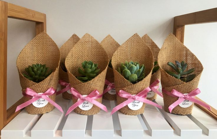 Succulent Favors | Wrapped in Hessian by CandSBoutiqueShop on Etsy