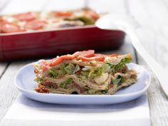 Wirsing-Lasagne mit Tomatensauce - smarter - Kalorien: 325 Kcal - Zeit: 40 Min. | eatsmarter.de