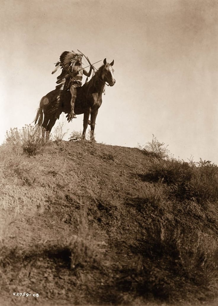 100 Years Ago, He Snaps A Photo Of Native Americans. What He Captures? Incredible…