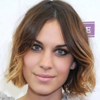 Alexa Chung - love this hairstyle! (my current one!)