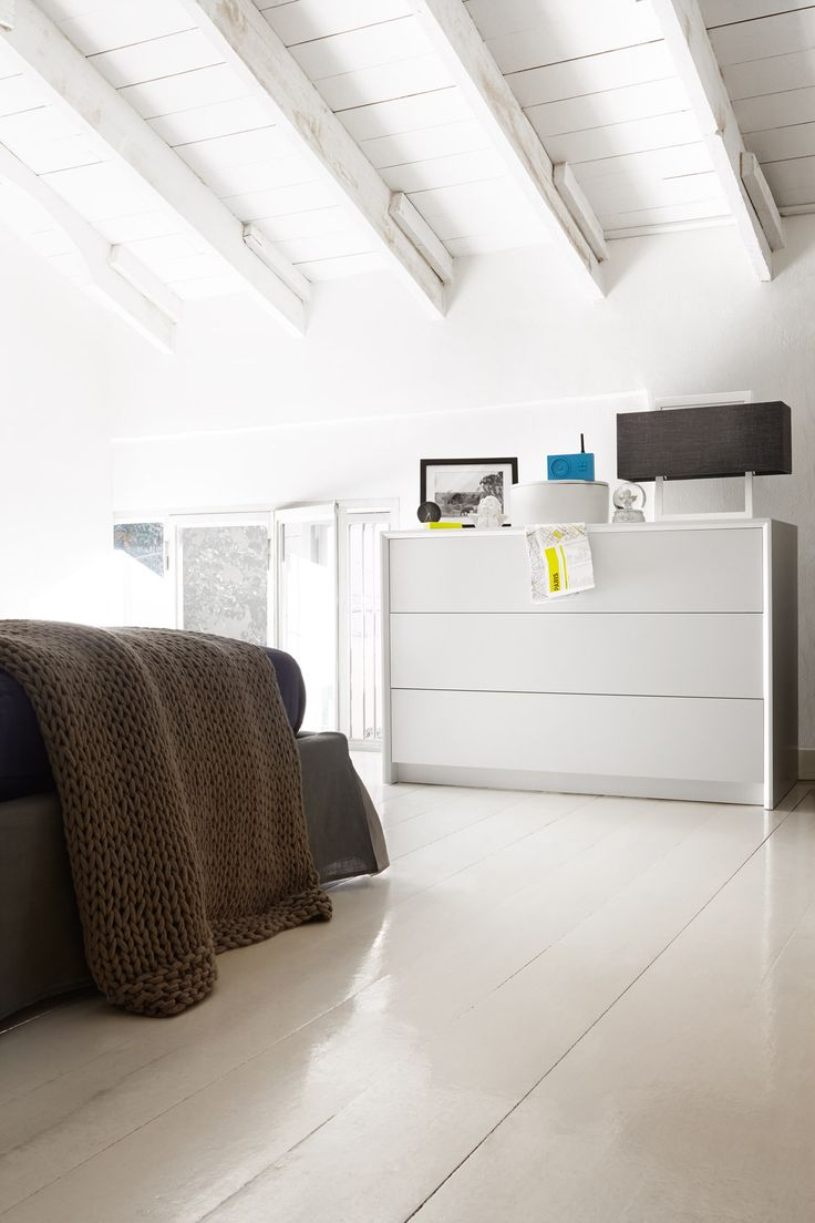 PASSWORD is a minimalist 3 drawer bedroom dresser with clean modern lines. The 3 smooth handle-less drawers feature a handy push-pull opening mechanism. #calligaris #toronto #bedroom #dresser