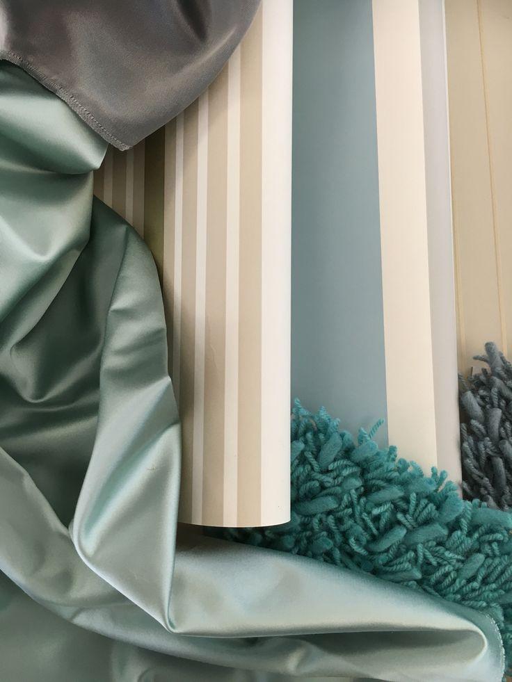Designers Guild Essentials, #Tapete, #Satin #Store und Langflor-Teppichboden  #blau #blue #Streifen #Dekoration #Dekostoff #Vorhang #Gardine #Teppich abgepasster Teppich auf Maß #Rademann #wohnen #Innenausstatter #Wohngestalter #Dekorateur #Raumausstatter #Kiel #Moodboard #maritim