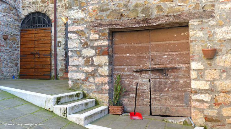 Tuscany doors in Caldana, Maremma.