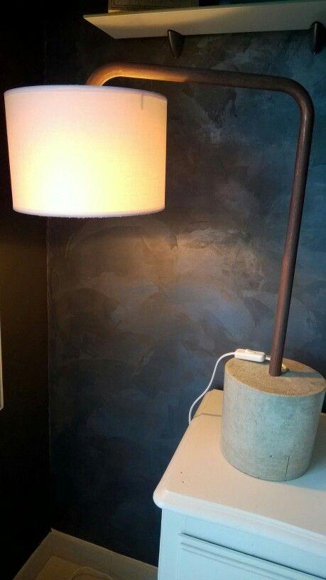 Lampe beton tube effet cuivre