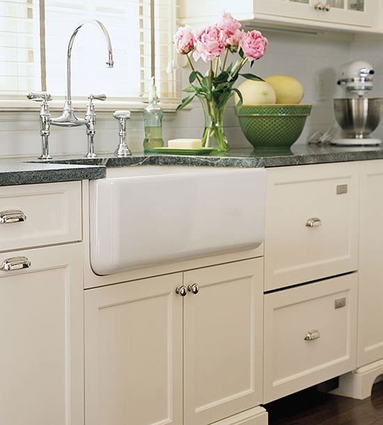 Farmhouse Sink Ideas for Cottage-Style Kitchens