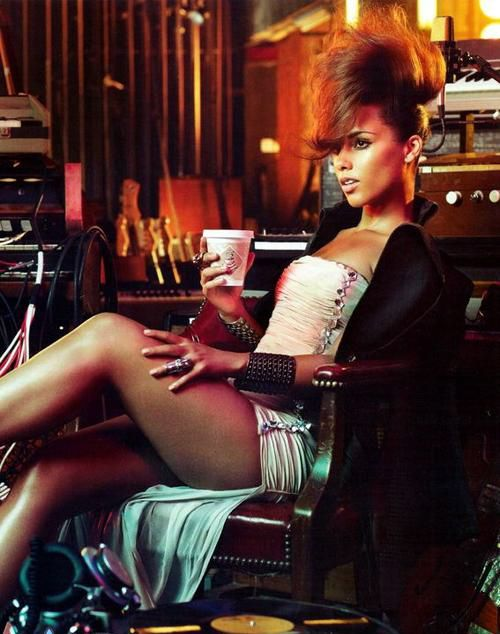 Vogue Italia November 2010 - Alicia Keys  Photographed by Michelangelo Di Battista