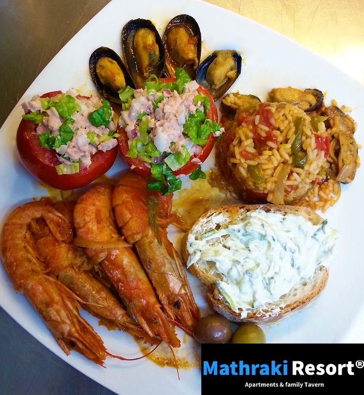 Piato Thallasinon - Πιάτο Θαλλασινών. Our extraspecial and superdelicious seafood plate! #Seafood #Shrimps #Garnalen #Γαρίδες #Tzatziki #Tomato #Tuna #Tonijn #Olive #Olijven #Mathraki #Resort #Summer #Recipes #Gouvia #Corfu #Greece