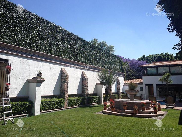 Muros Verdes Artificiales para decoración y privacidad en interiores o exteriores. Verde todo el año sin gasto de agua o jardinería.
