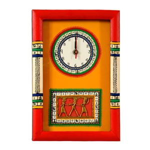 Dhokra work at the bottom along with beautiful handpainted warli border makes a perfect wall decor for your house. Rs 1580/- http://www.tajonline.com/gifts-to-india/gifts-HEL09.html?aff=pint2014/