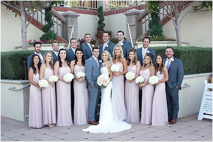 How to pose a large bridal party | Laura Hernandez Photography