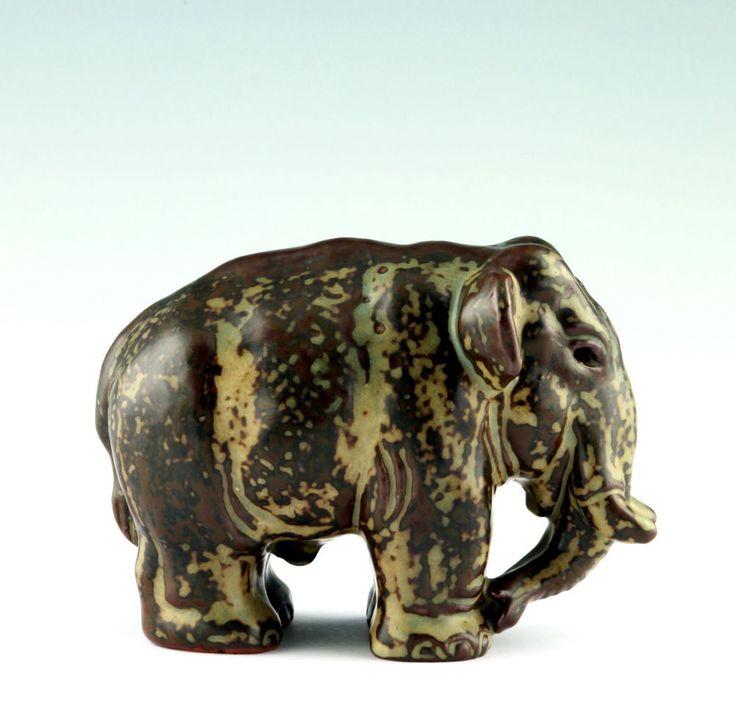 Royal Copenhagen Keramik Entwurf Knud Kyhn 1880-1969 Elefant elephant Figur