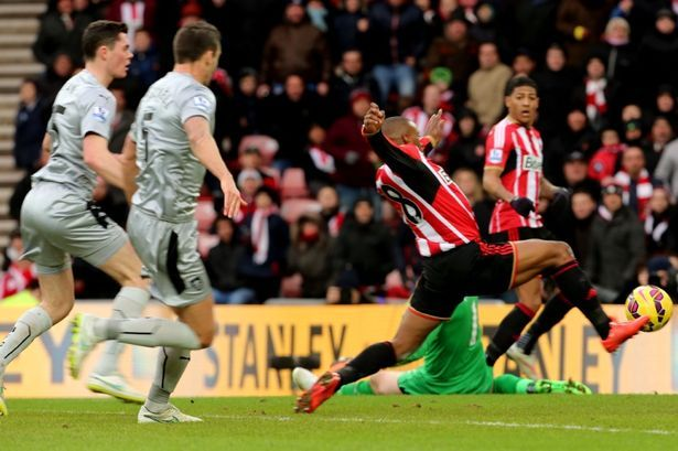 Sunderland 2-0 Burnley: Defoe off the mark as Black Cats put on a show for Gus Poyet - Mirror Online