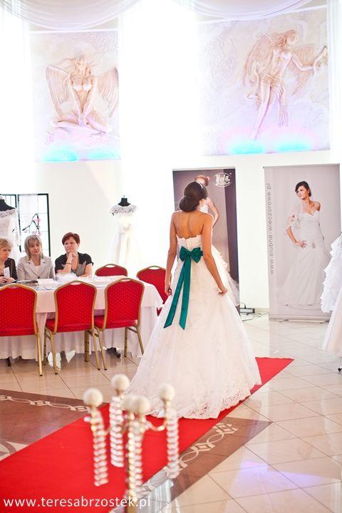 pokaz sukien ślubnych