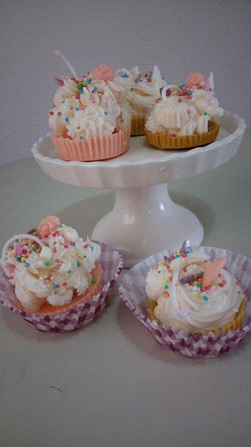 Candele fatte a mano con cera di soia!! Cup cake