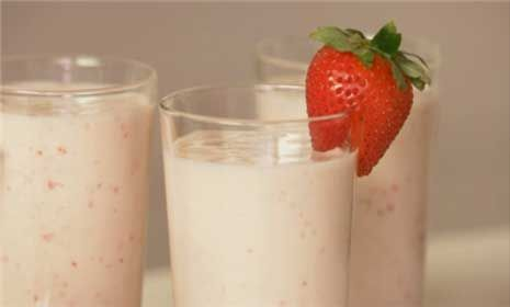 Brunch Rezept How-To: Fruchtsmoothies   – Food & Drink