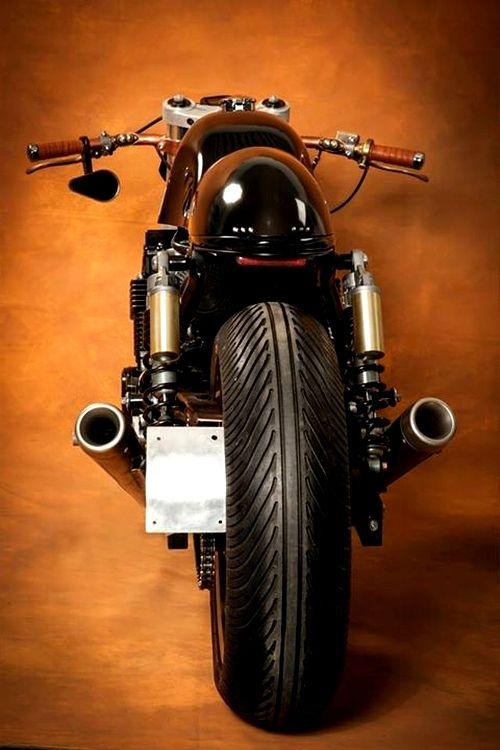 Honda CB 750 Cafe Racer | Ruleshaker