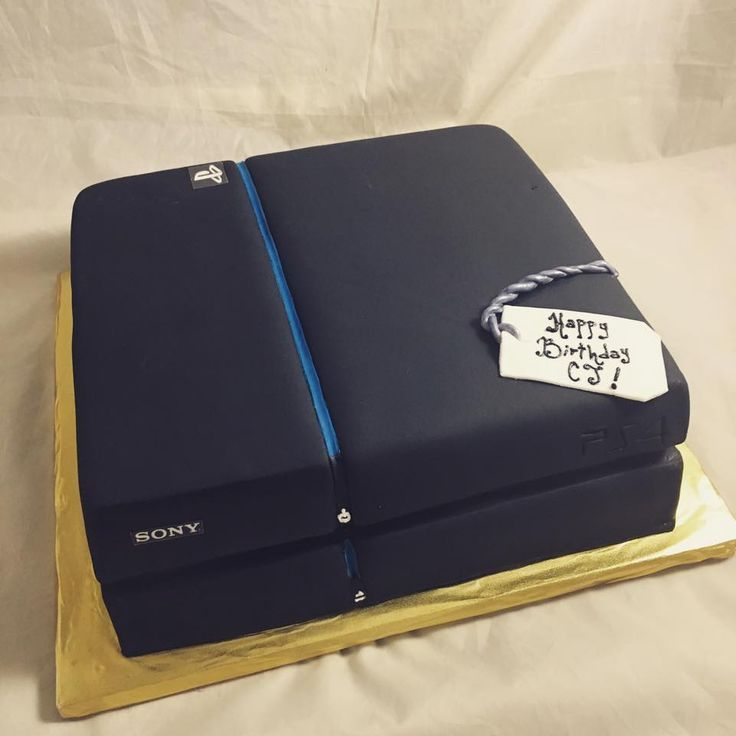 PS4 Cake  www.creativecakesbykeekee.com