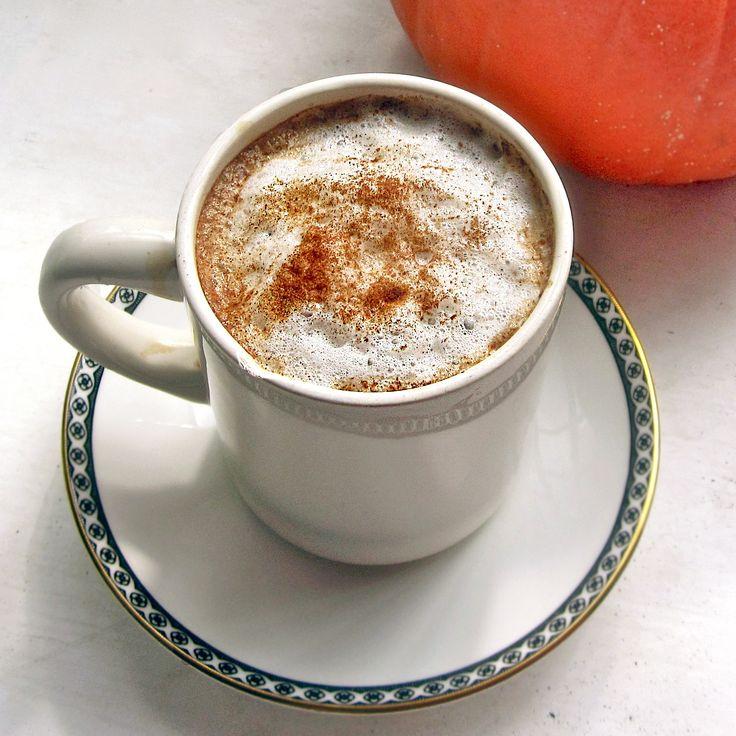 Homemade pumpkin spice latte.: Homemade Pumpkin, Pumpkin Spice Latte, Pumpkin Latte, Vanilla Extract, Healthy Pumpkin, Latte Recipes, Almonds Milk, Pumpkin Spices Latte, Pumpkin Pies