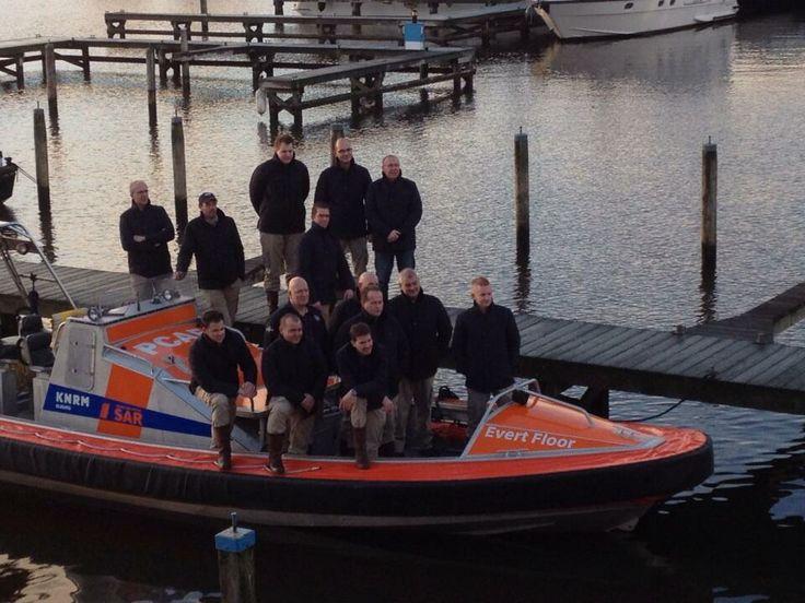 Frans de Lange @bgmElburg KNRM-station Elburg vanmiddag. Afgelopen jaar 62 keer uitgerukt om schepen in nood te helpen. Mooie club!