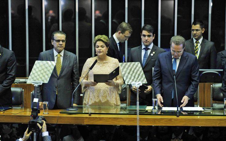 A presidente reeleita Dilma Rousseff discursa durante cerimônia no plenário do Congresso Nacional