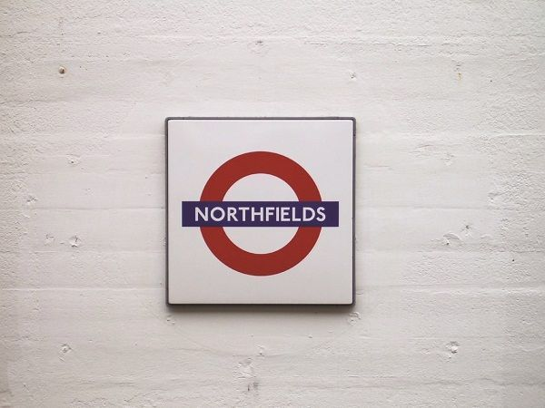 Stazione di Northfields - #London #Tube #Londra