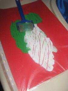 Pour les plus petits, peinture au propre en glissant vos feuilles dans une pochette plastique, y ajouter la peinture, paillette etc, reste plus aux petits qu'à étaler, idéal pour faire des fond de page pour décorer .