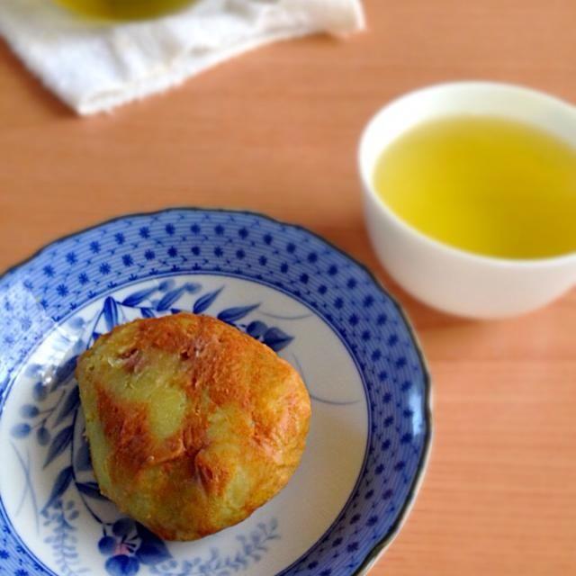 さつまいもを練り込んだ餅で、あんこを包んで、きな粉をまぶしてあります。 - 26件のもぐもぐ - ばぁちゃんお手製「ねったぼ」 by kawachi1225