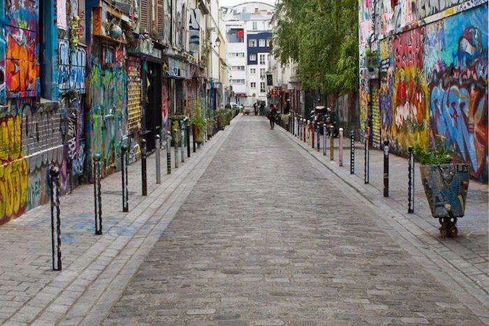 La rue Dénoyez et son incontournable street-art dans le 19ème