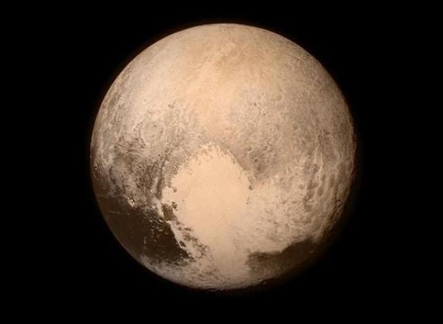 PHOTOS. New Horizons: la sonde spatiale de la Nasa a réussi sa mission en survolant Pluton