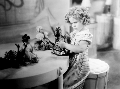 1936 Shirley Temple With The Dolls That Came To Life In Poor Little Rich Girl Shirley Temple