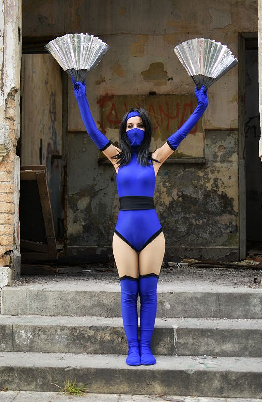 Mortal Kombat II Kitana by candycosplays2 on DeviantArt