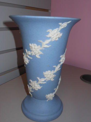 "Vintage Ecanada Art Pottery Vase Jasperware Style 8"""