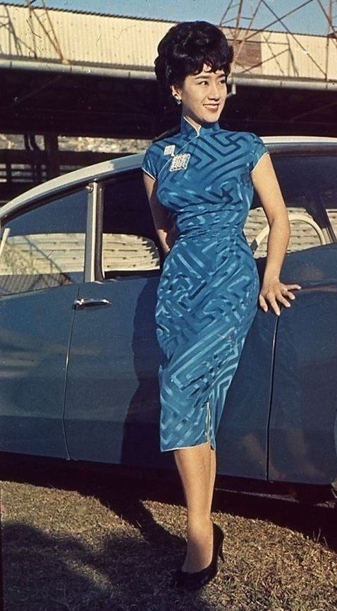 Cheongsam, Hong Kong 1960s blue jacquard silk quip dress sheath wiggle high collar sexy photo print ad vintage fashion Asian styles model